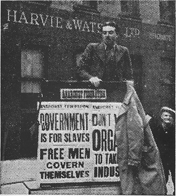 Jimmy Dick speaking at an anarchist meeting Brunswick Street 1945